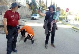 Prepješačili od Beograda do Trebinja: Avanturizam i humanost naveli dva prijatelja da za 11 dana pređu više od 400 KILOMETARA (FOTO)