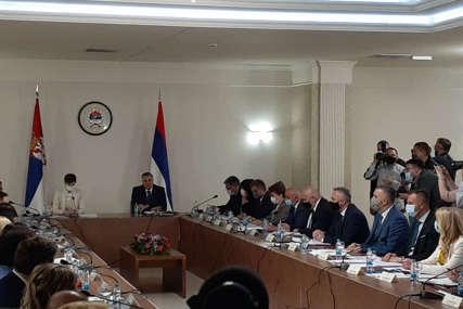 VAŽNO ZA PROFESIJU Veterinarske komore Srpske i Srbije potpisale memorandum o saradnji