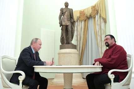 AKTIVIRAO SE U POLITICI Glumac Stiven Sigal se učlanio u rusku stranku