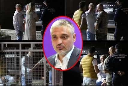 KRVAVI TRAGOVI, POLICIJA, NERVOZA Čedomir Jovanović priveden nakon incidenta u Beogradu (VIDEO)