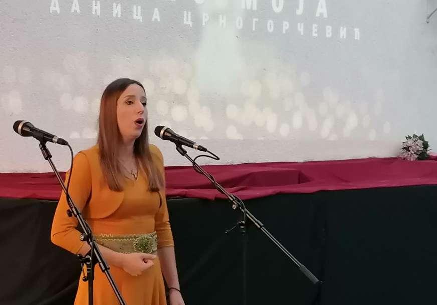 U Mrkonjić Gradu održan koncert etno i duhovne muzike Danice Crnogorčević