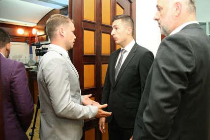 UPUĆEN ULTIMATUM GRADONAČELNIKU Ilić zakazao nastavak sjednice Skupštine grada, ali odbornici većine se neće pojaviti