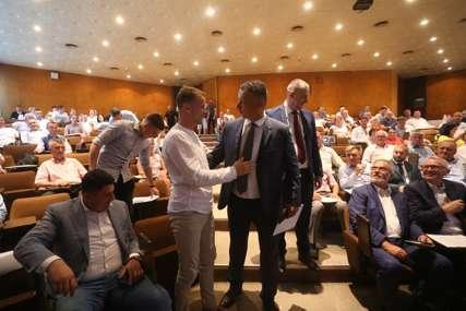Stanivukovićev odgovor Nešiću: Banjaluka poklanja zemljište za gradnju zgrade UIO BiH