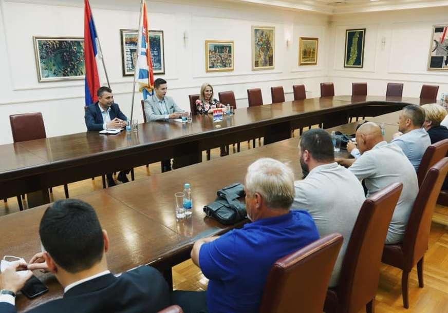 """""""Njihov doprinos društvu je nemjerljiv"""" Ilić poručio da Udruženju dobrovoljnih davalaca krvi trebaju bolji uslovi za rad (FOTO)"""