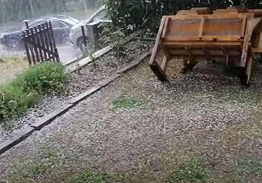 NEVRIJEME U KAKNJU Padali led i obilna kiša (VIDEO)