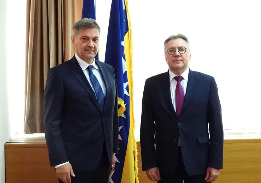 Sastanak Zvizdića i Kalabuhova: Ima prostora za unapređenje ekonomske saradnje BiH i Rusije
