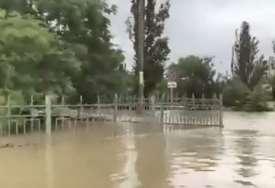 PRVA ŽRTVA POPLAVA Na Krimu poginula jedna osoba (25), skoro 1.500 evakuisanih (VIDEO)