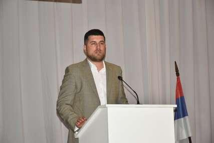 Lični komoditet ispred INTERESA GRAĐANA: Kubatlija upitao Ćosića da li je veći prioritet službeno vozilo ili ulaganje u obrazovanje