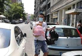 Potrudio se da za Lunu i Miu sve bude spremno: Evo gde je bio Marko prije nego što je stigao u porodilište (FOTO)
