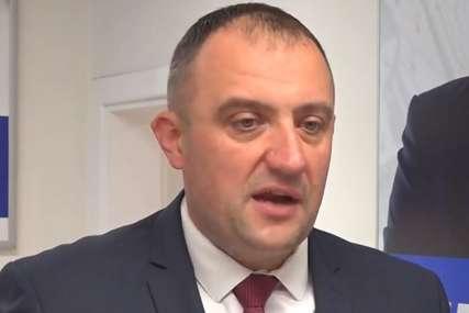 Vujadinović: Mehmedović i Nikšić se beskrupulozno igraju sa zdravljem ljudi