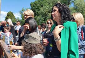 """""""Za ubistva i progone niko nije odgovarao"""" Bacanjem cvijeća u Bunu počelo obilježavanje 29 godina od stradanja Srba u Mostaru"""
