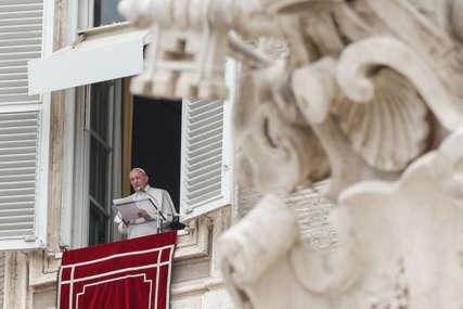 ZDRAVSTVENI PROBLEMI Papa Franjo primljen u rimsku bolnicu, očekuje ga operacija