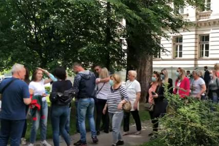 """Protest zdravstvenih radnika u Sarajevu """"Ne odustajemo od kolektivnog ugovora, ostaje nam jedino štrajk"""""""