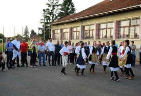 "Prijedorsko ljeto kulture: Krenuo karavan ""Selo veselo"""