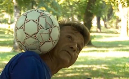 OD ŽONGLERA POSTAO UMJETNIK Slavko već četiri decenije izvodi egzibicije fudbalskom loptom (VIDEO)