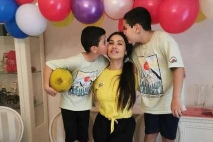 Tanja Savić napravila proslavu za sinove: Dvije torte, baloni i posebna poruka za dječake (FOTO)