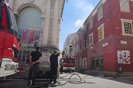 Pogoršano stanje požara u Zadru: Vatrogasci će ostati na terenu tokom cijelog dana i noći (VIDEO)