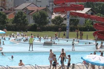 Brojni građani spas od vrućina potražili na bazenu: Akvana prodala više od 6.000 ulaznica