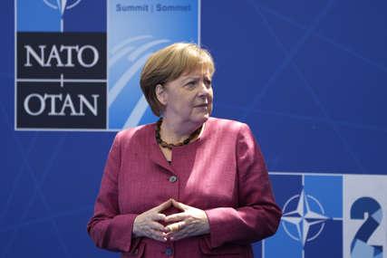 "Merkelova dobila dvije različite doze: Prvo vakcinu ""AstraZeneke"", pa ""Moderne"""
