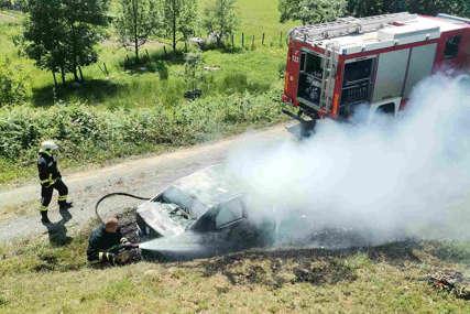 IZGORIO U AUTOMOBILU Zatražena obdukcija tijela stradalog vozača kod Gradiške, utvrđuju se okolnosti nesreće