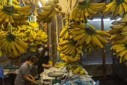 RADNICA PRONAŠLA DROGU U prodavnici otkriveno 18 kilograma kokaina među bananama