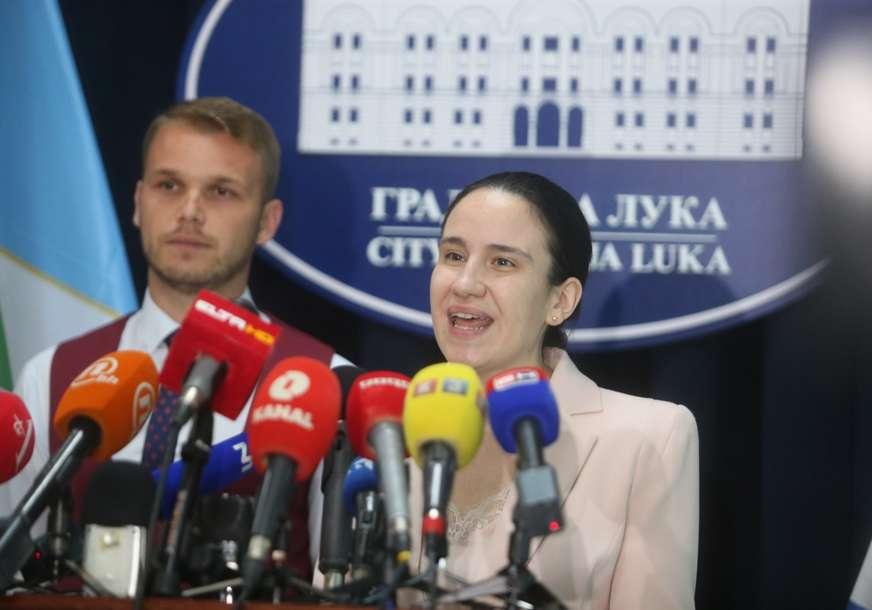 Iz Kluba odbornika SNSD  poručili: Stavovi gostiju, kao što je Benjamina Karić, nisu poželjni u Srpskoj