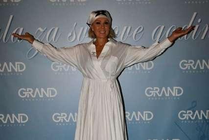 PRODALA GRAND, PA OTPUTOVALA Brena uživa u čistom luksuzu (VIDEO)