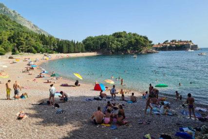 Crna Gora uvodi novo pravilo: Od 1. septembra nema besplatnog PCR testiranja turista