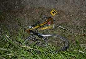 Pored puta nađen prepolovljen bicikl:  Nesrećnog dječaka mještanin odvezao u bolnicu, ali zbog povreda je ubrzo preminuo (FOTO)
