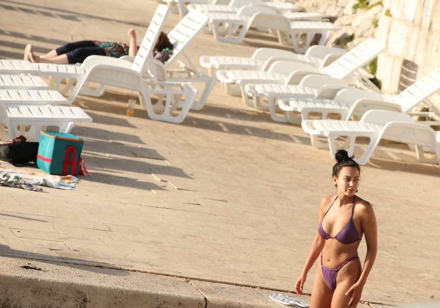 Korisnici interneta kaznili bahatog vlasnika vile: Tvrdio da je plaža njegova pa izgubio dobre ocjene, banovan i sa Bukinga