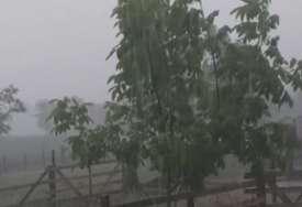 Uništeni i poljoprivredni usjevi: U više sela u Prnjavoru pričinjena šteta na objektima