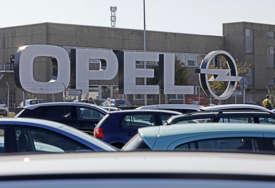 VAŽAN KORAK PROTIV PANDEMIJE Opel u fabrici otvorio centar za vakcinaciju