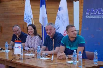 PDP NE GUBI VRIJEME Vrh stranke poručio građanima Šipova i Mrkonjić Grada da Srpska nema alternativu