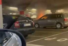 Buktinja u garaži tržnog centra: Zapalio se automobil na Novom Beogradu