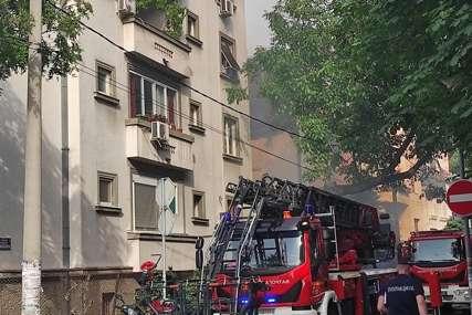 Požar dvije porodice ostavio bez doma: Klima radila cijeli dan, pa se zapalila