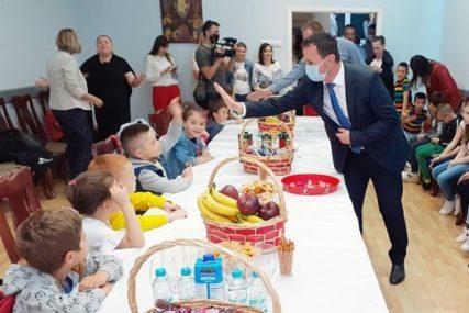 ZANIMLJIVA AKCIJA U TREBINJU Prijem za djecu zaposlenih povodom Međunarodnog dana djeteta