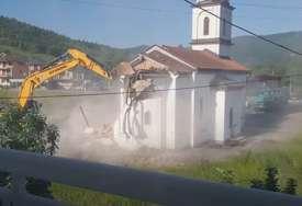 """""""Da to bude znak vaskrsenja i jedinstva našeg naroda"""" Marko Milačić donirao poslaničku platu za izgradnju sabornog hrama u Bratuncu"""