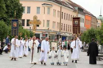 Uz želje da ovaj praznik donese napredak gradu, Banjaluka proslavlja krsnu slavu Spasovdan (FOTO)