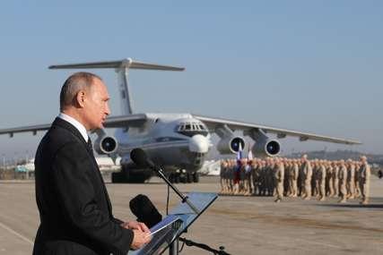 """TRADICIONALNA """"DIREKTNA LINIJA"""" Putinu postavljeno 659.411 pitanja"""