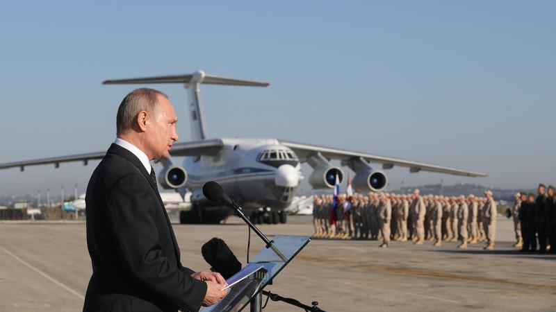 Teretana, spavaće sobe, POZLAĆENI TOALET: Pogled na unutrašnjost Putinovog luksuznog aviona ostavlja bez daha (FOTO, VIDEO)