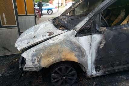 """Zapalili auto banjalučkom vatrogascu """"Kćerka je u trenutku detonacije spavala u sobi iznad garaže"""""""