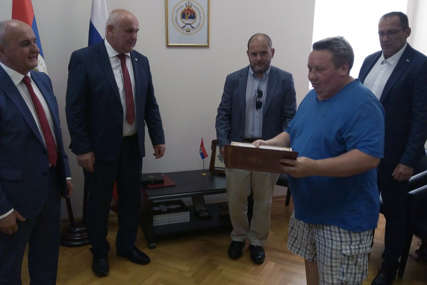 Đokić i Milunović uručili odlikovanja ruskim dobrovoljcima u redovima VRS