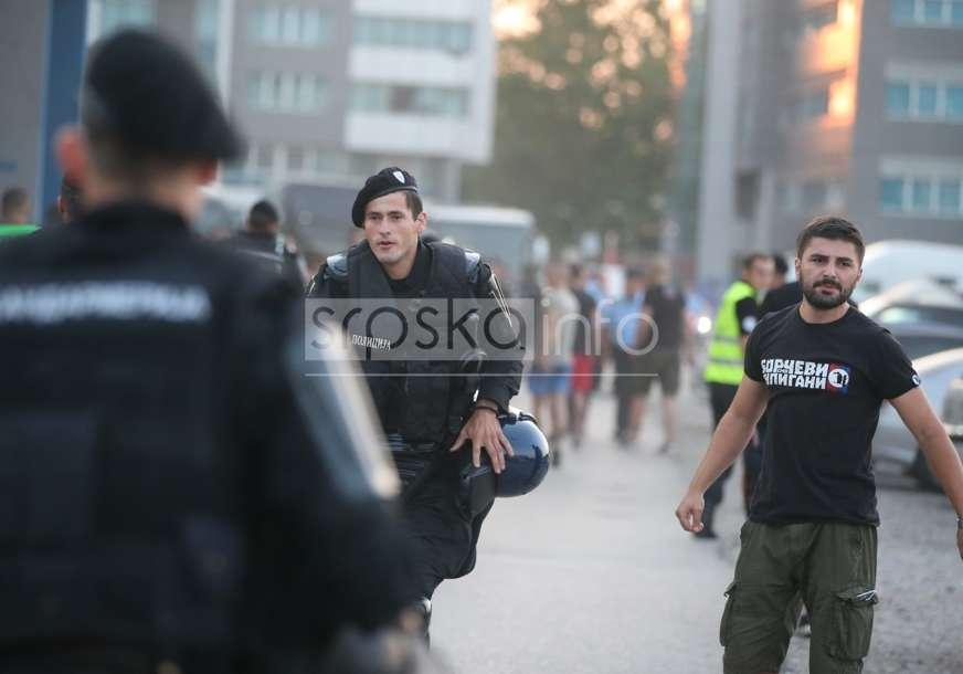 Povrijeđeni navijač Borca prevezen u UKC RS: Nakon pada sa tribine došlo do naguravanja Lešinara i Žandarmerije