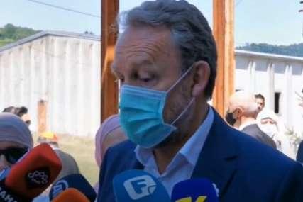 """""""NEKA NAMETNE ZAKON"""" Izetbegović zatražio od Incka da ode iz BiH uzdignutog čela"""