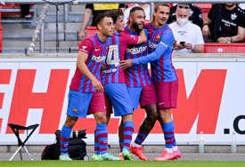 Barselona ubjedljiva protiv Štutgarta: Sjajan gol Depaja