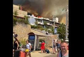 Potvrđeno iz Ministarstva inostranih poslova: Nema povrijeđenih državljana BiH u požarima u Turskoj, konzulat otvorio 24-satnu liniju
