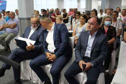 VRELO POLITIČKO LJETO Rastu apetiti opozicije u Lijevču i Potkozarju