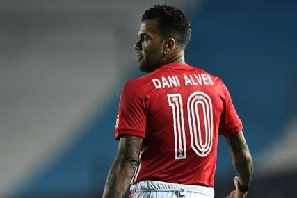 DEBITUJE SA 38 GODINA Dani Alveš u olimpijskoj reprezentaciji Brazila