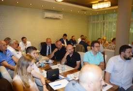 """U okviru """"Dana dijaspore"""" u Loparama održan poslovni forum (FOTO)"""