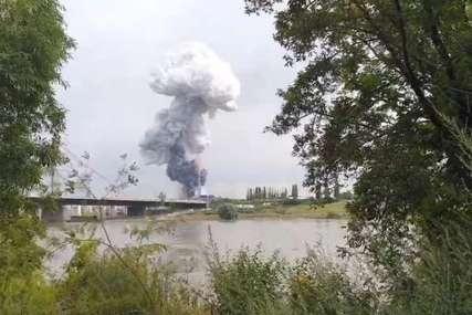 Velika eksplozija u Njemačkoj: Oblak dima nad Leverkuzenom, građani upozoreni o EKSTREMNOJ OPASNOSTI